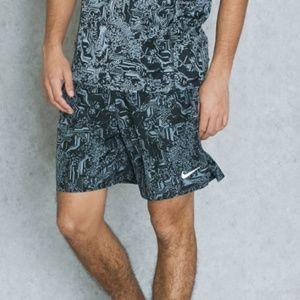 Nike Men's Printed Challenger Running Shorts S